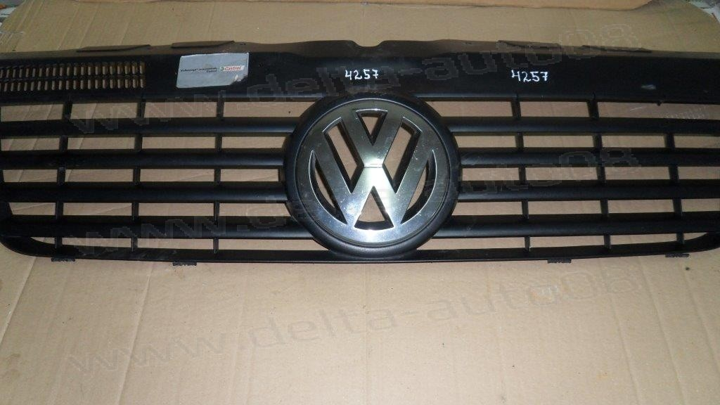 Решетка за VW T5   7H08071015